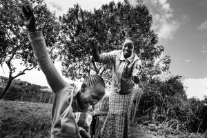 """""""Olen löytänyt uuden perheen turvatalo Tasarusta."""" Tasaru tarjoaa tukea ja mahdollisuuden koulunkäyntiin 65:lle Masai-tytölle. / """"In the safe house Tasaru I have found my new family."""" Tasaru offers comfort and access to school for 65 Masai girls."""