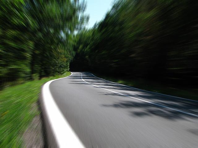 road-259815_640 (1)