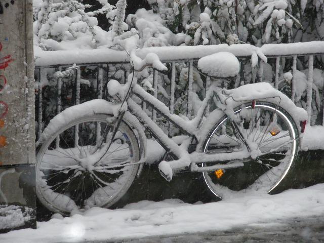 snow-79517_640