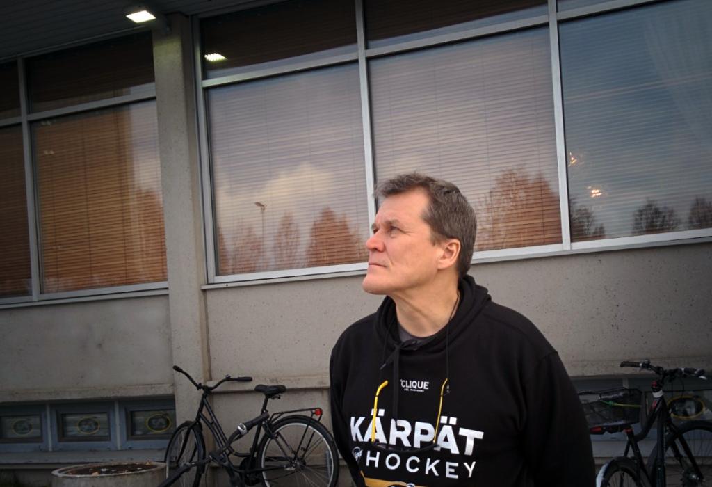 Kai Suikkasen alkukausi Kärppien peräsimessä on ollut haastava. Kuva: Juhopekka Pietilä