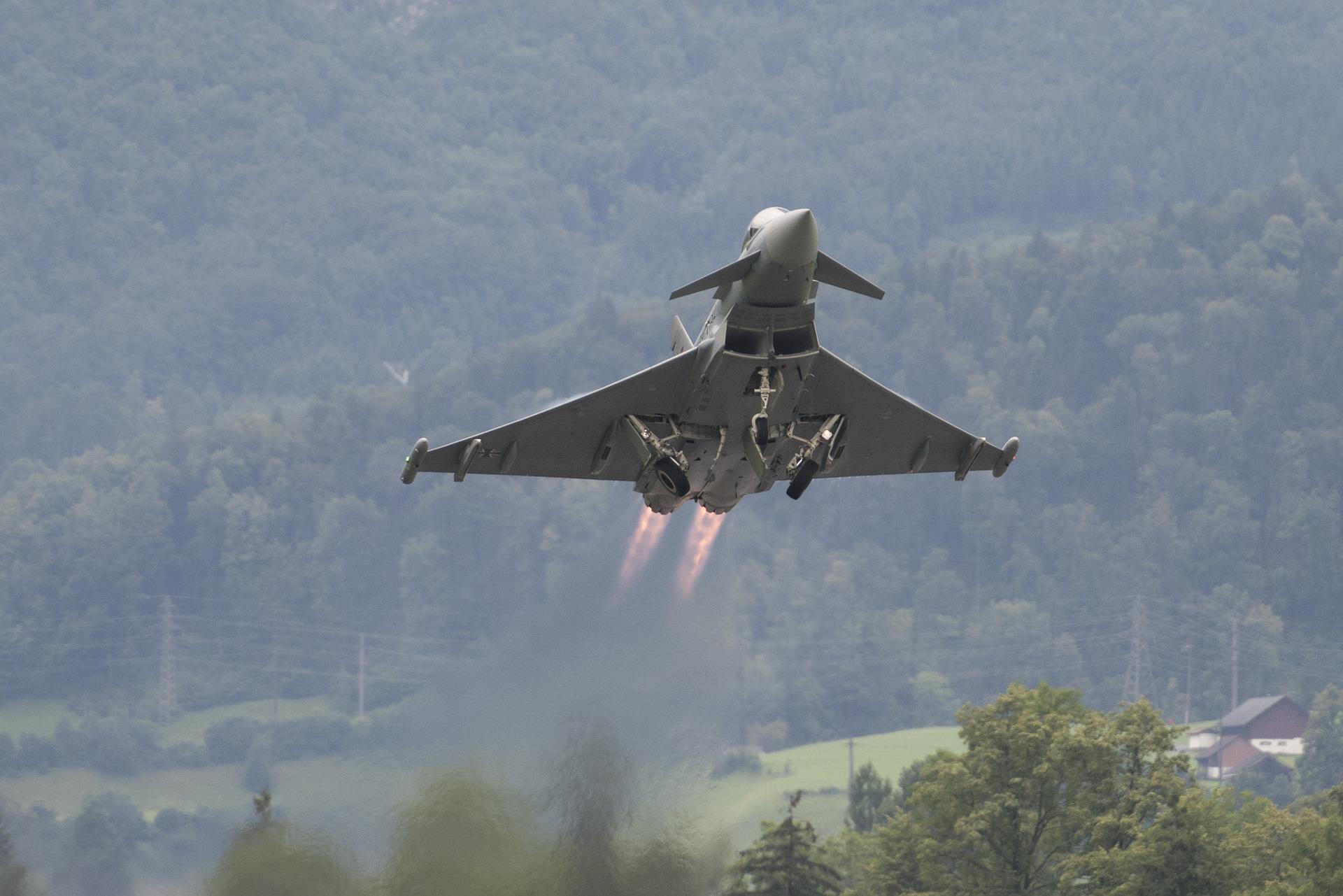 eurofighter-1579394_1920