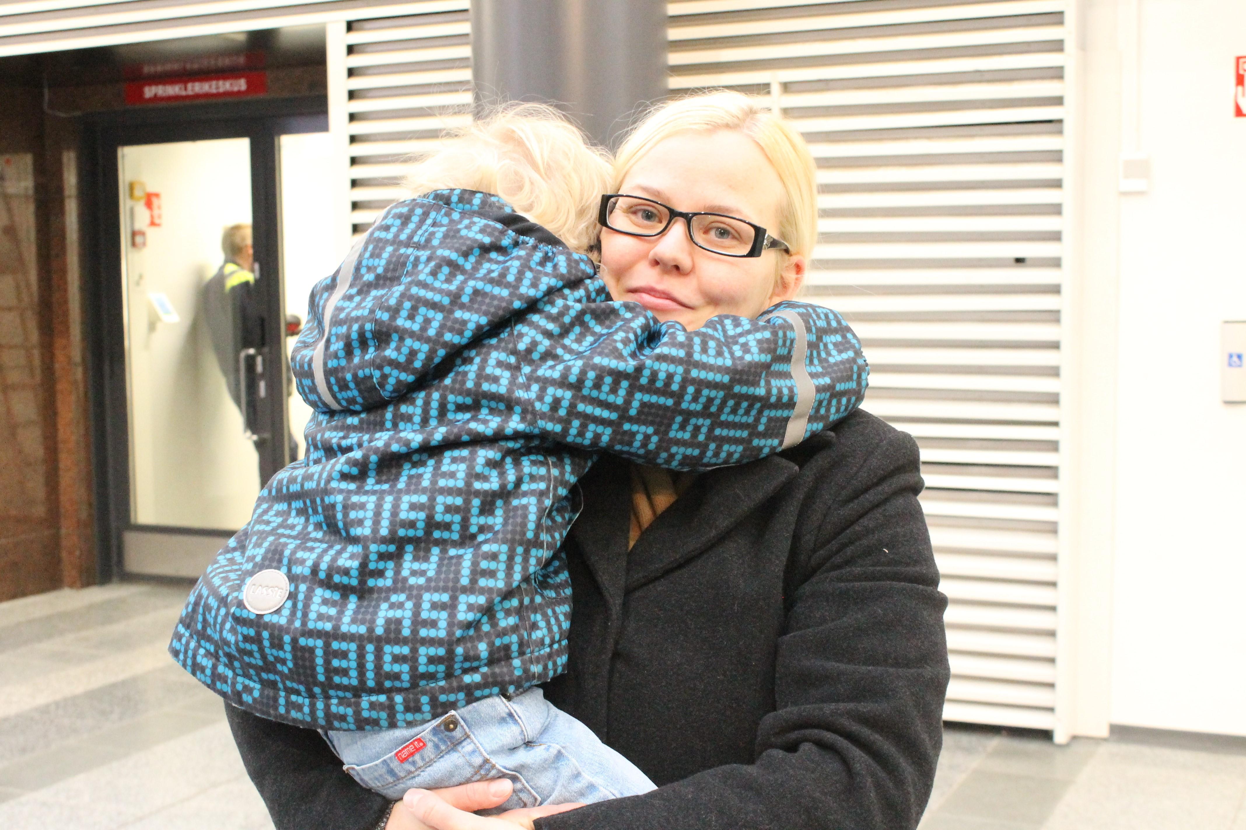 Piia Heinosen taloudessa tarvitaan monta joulukalenteria. Kuva: Lotta Kuikka