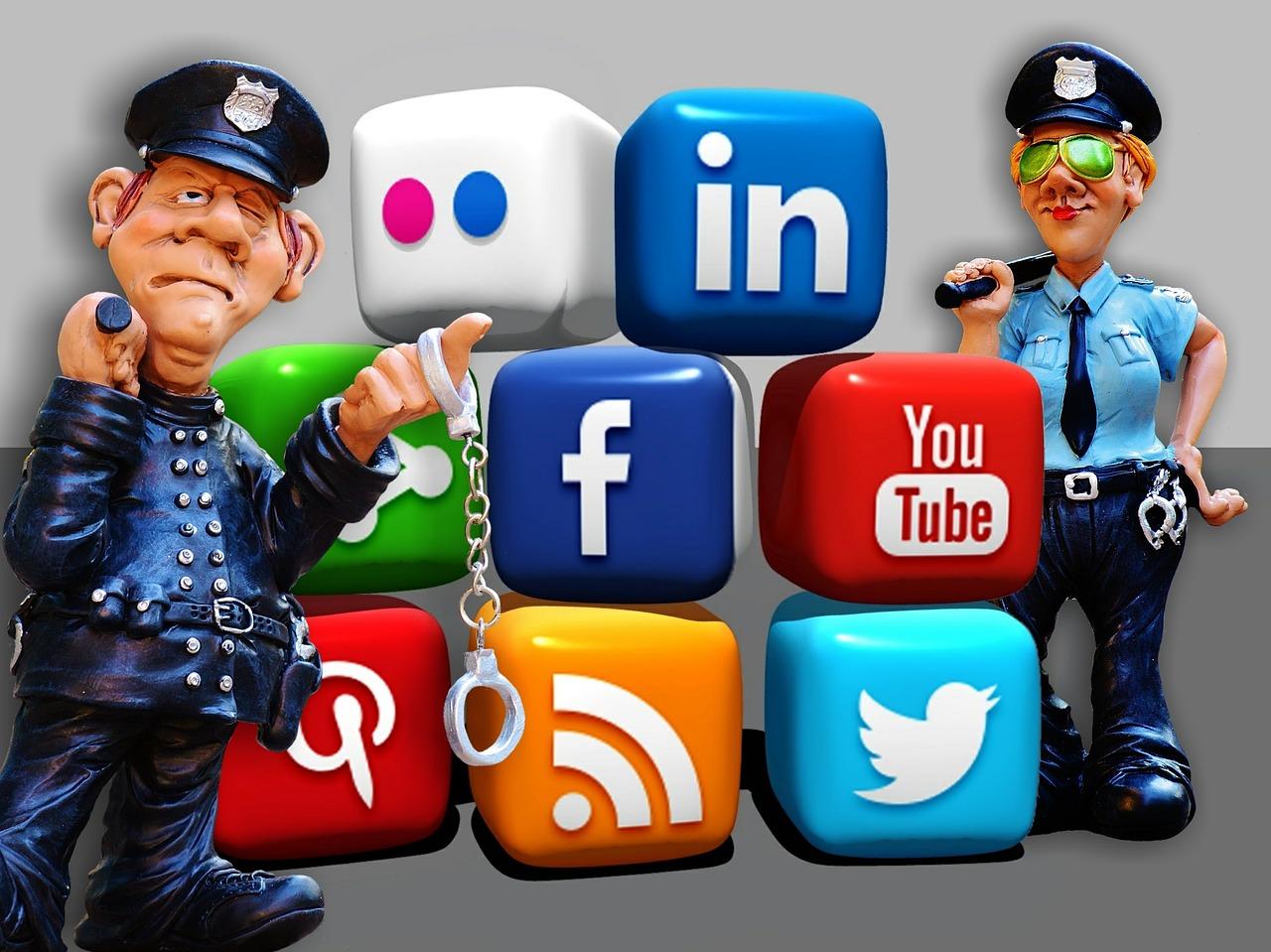 social-media-1679307_1280